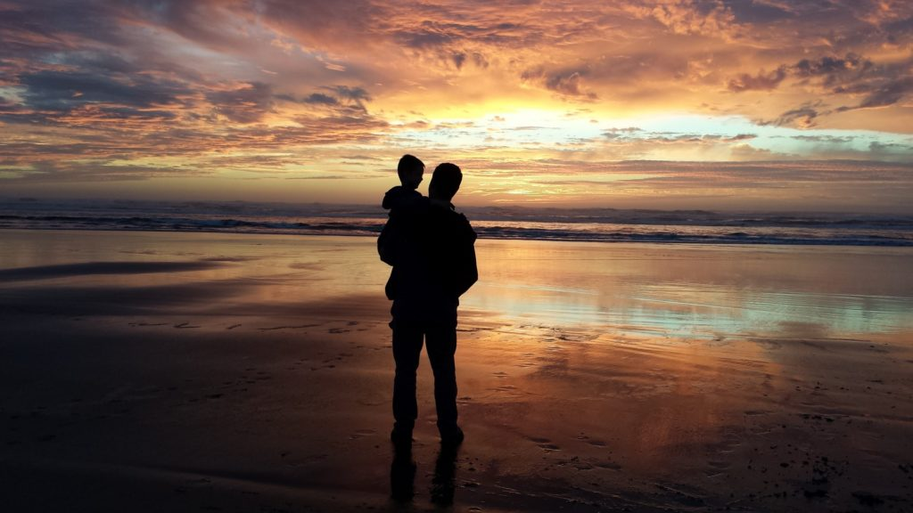 Директор компании «Росюрконсалтинг» Константин Свитнев о демографической катастрофе, переживаемой нашей страной, дискриминации не состоящих в браке родителей и их «суррогатных» детей и гонениях на «одиноких отцов».